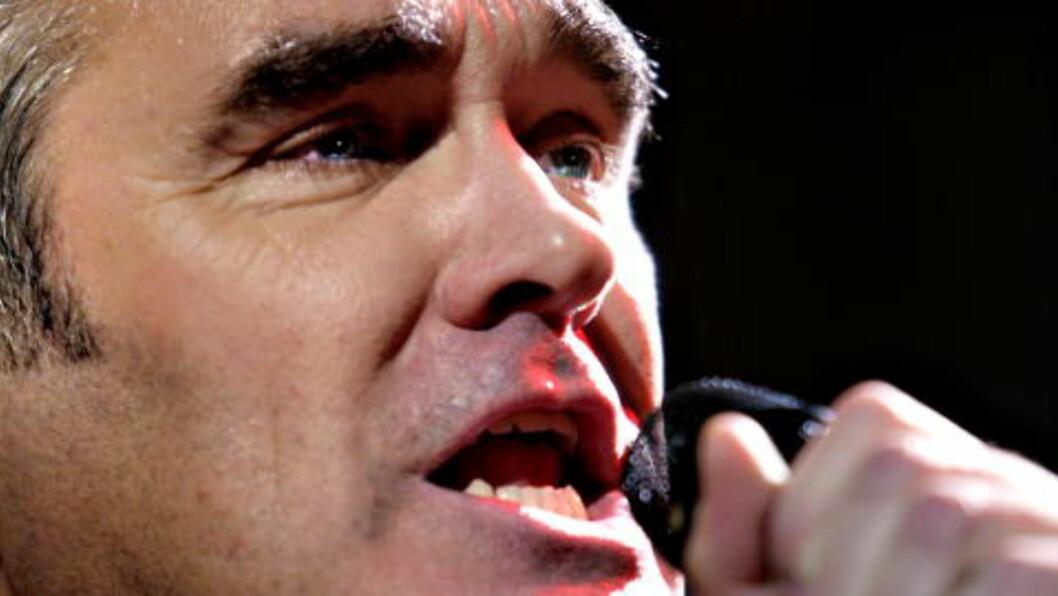 <strong>Provoserer:</strong> Steven Patrick Morrissey provoserte under konsert i Polen søndag kveld.  Foto: Adrian Øhrn Johansen/ Dagbladet.