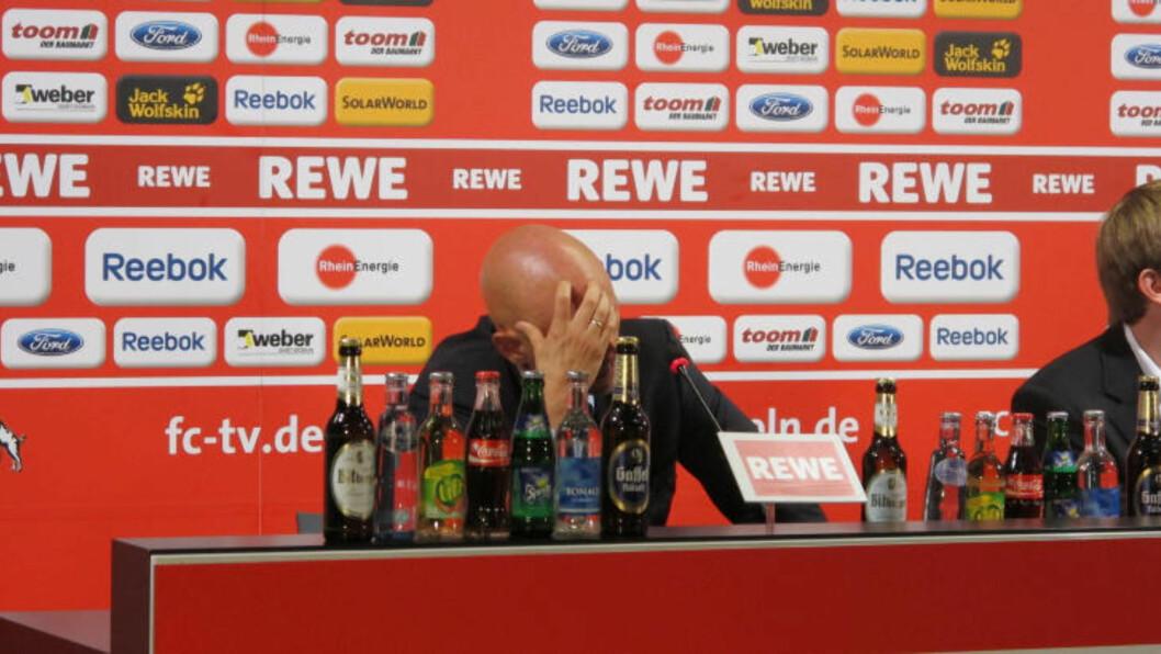 <strong> SKUFFET:</strong>  Det var en tydelig skuffet Ståle Solbakken som møtte pressen etter kampen i går.