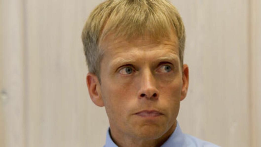 <strong>BEKREFTER:</strong> Politistasjonssjef Kjell Magne Tvenge sier 17-åringen ble avhørt uten advokat. Foto: Terje Bendiksby / Scanpix .