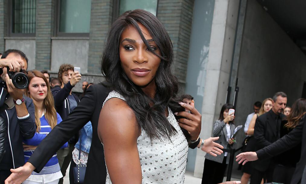 <p>FORLOVET: Serena Williams ble nylig fridd til av kjæresten Alexis Ohanian. Nå venter bryllup for paret. Foto: NTB Scanpix </p>