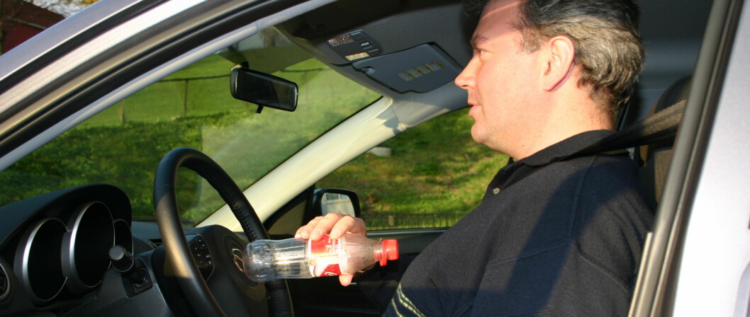Sitter du farlig nært rattet?
