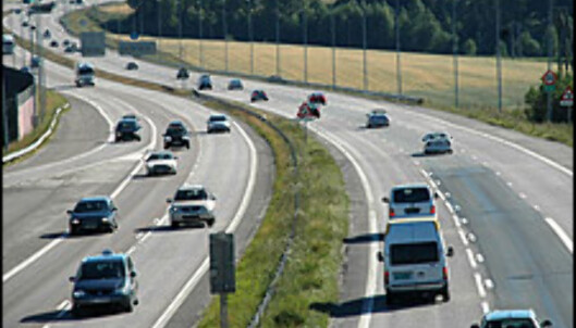 Bildet viser 23 biler på E6 inn mot Oslo. Ingen bruker høyre felt.
