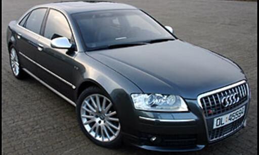 image: TEST: Audi S8 - rett og slett stort