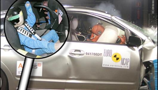 <strong>43 POENG:</strong> Toyota Prius oppnådde 43 poeng i barnebeskyttelses-testen, den høyeste poengsummen noen bil foreløpig har oppnådd hos Euro NCAP.