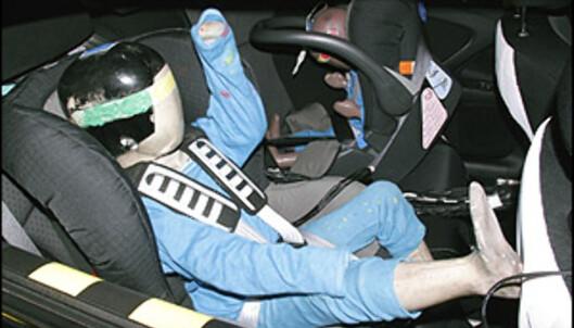 """<strong>""""BARNE-STJERNER"""":</strong> Euro NCAP har siden utgangen av 2003 undersøkt hvordan ulike bilmodeller og barneseter beskytter barn. Som i de ordinære kollisjonstestene er fem stjerner høyeste oppnåelige poengsum."""