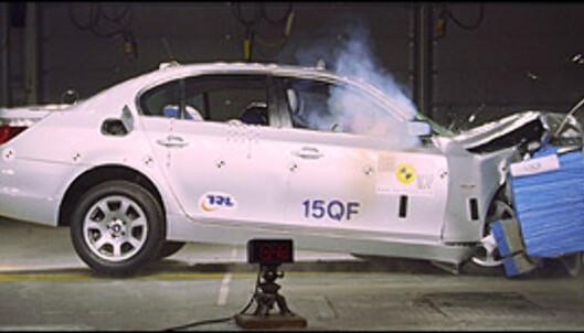 <strong>42 POENG:</strong> Mange ble overrasket da det viste seg at BMW 5-serie kun ble tildelt fire Euro NCAP-stjerner i 2004. Det mange overså, var at 5-serie oppnådde hele 42 poeng i barnebeskyttelses-testen, den nest beste poengsummen som foreløpig er oppnådd.<br />
