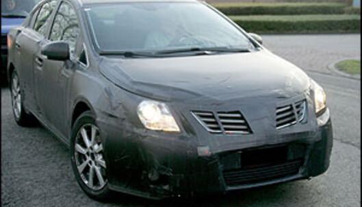 Ny Avensis i 2009
