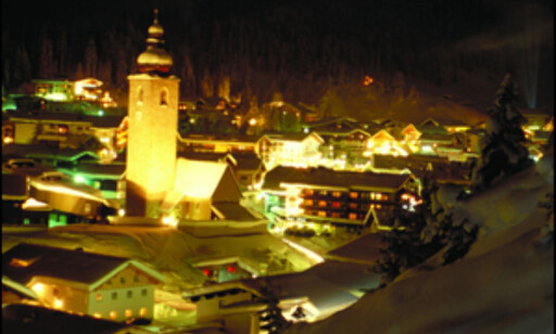 Lech by night.