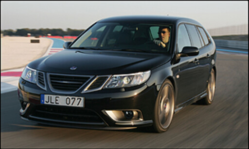 "Den ultimate Saab 9-3: Nye ""Black Turbo"" (Turbo X) i fint driv på Paul Ricard"