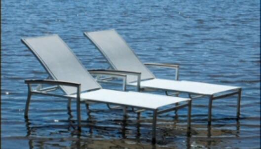 Den nye generasjonen hagemøbler skal tåle mye vind og vær. Her er St Tropez solstoler fra TGI. Fås blant annet kjøpt gjennom Zanz, og koster 2.995 kroner per stk. <i>Foto: Produsenten</i>