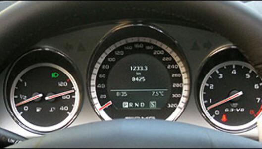 TEST: Mercedes C63 AMG