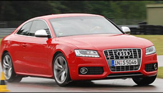 Kombinasjonen S-tronic, firehjulsdrift og V8-motor er meget effektiv