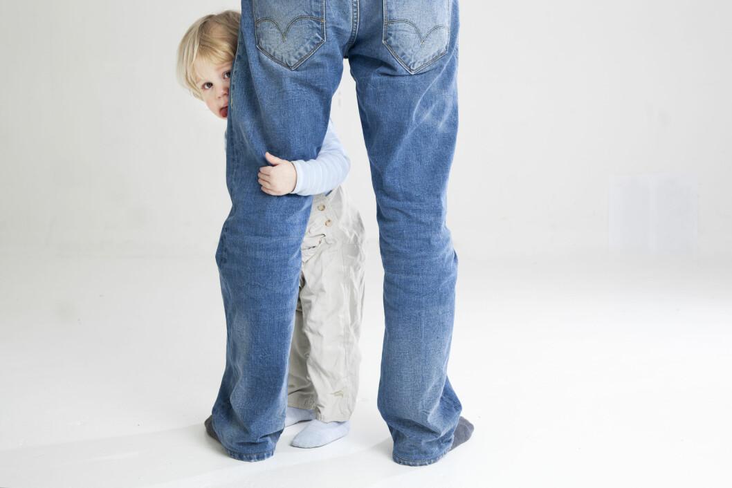 Det er vondt å kjenne på savnet etter den andre forelderen. Om det skjer er det viktig at du respekterer savnet, og gjerne finner en måte barnet kan kommunisere med den savnede forelderen på.  Foto: NTB/Scanpix