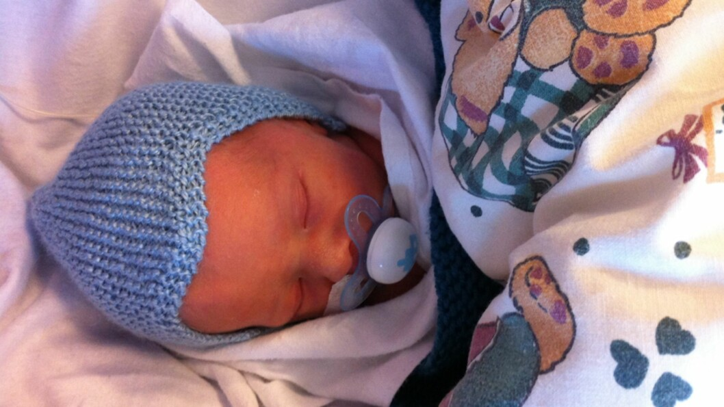 <b>VEKSTAVVIK I GRAVIDITETEN:</b> Patrick var under to kilo da han ble født, først noen år senere fikk foreldrene vite årsaken. Foto: Privat