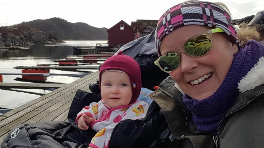 <b>MOR OG DATTER:</b> - Slutt å si at det er synd på datteren min bare fordi hun er enebarn, sier Kjellaug Bøhn. Foto: Privat
