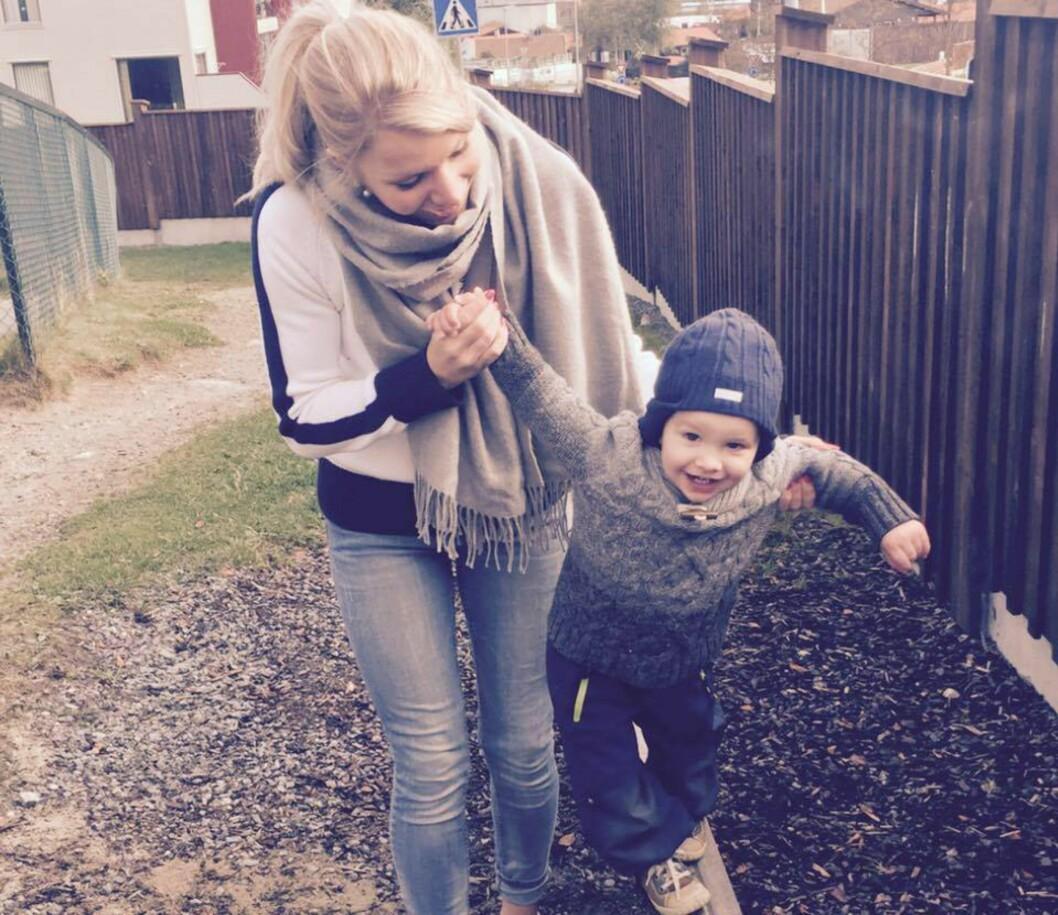 SØNN PÅ TO ÅR: Maria forteller at hun elsker sitt nye liv som mamma. Foto: Privat