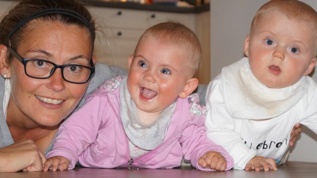 <b>SLET MED Å BLI GRAVID PÅ GRUNN AV CROHNS:</b> I dag er Ann Kristin lykkelig som mamma til tvillinger. Foto: Privat