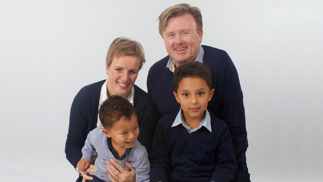 <strong><b>ADOPTERTE TO BARN:</strong> </b>Silje og Rune sier familien nå er komplett med sønnene Mateo Santiago (3) og Noah Felipe (6). Foto: Privat