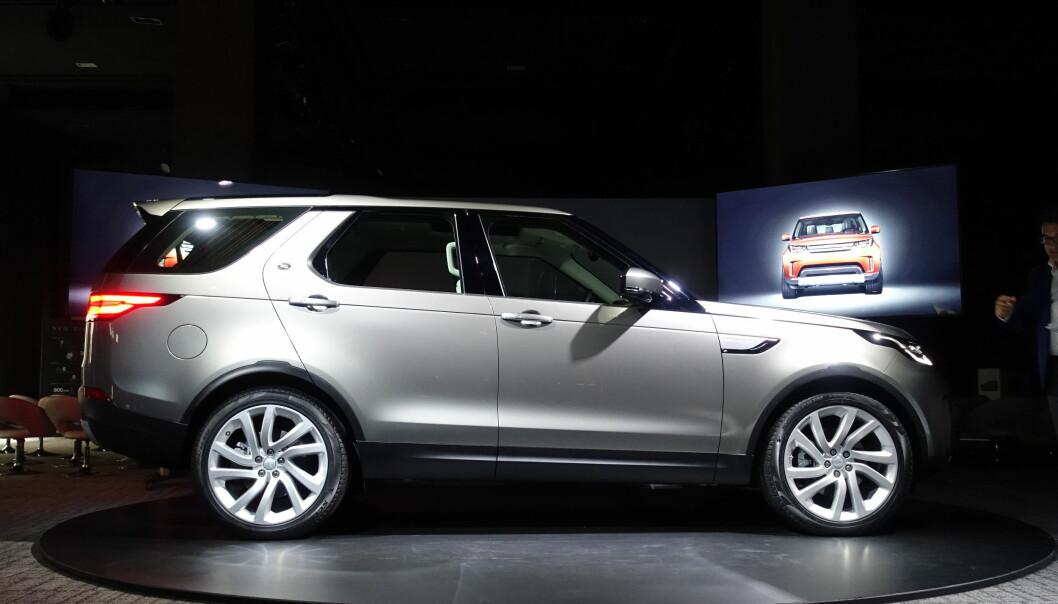 <strong>STILIG:</strong> Nye Land Rover har fått et godt design som kler flaggskipet godt. Foto: Fred Magne Skillebæk