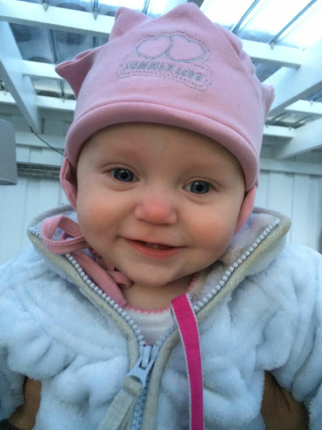 <strong>KORT LIV:</strong> Mariell døde i krybbedød da hun var ett og et halvt år gammel. - Svært uvanlig, sier barnelege. Foto: Privat