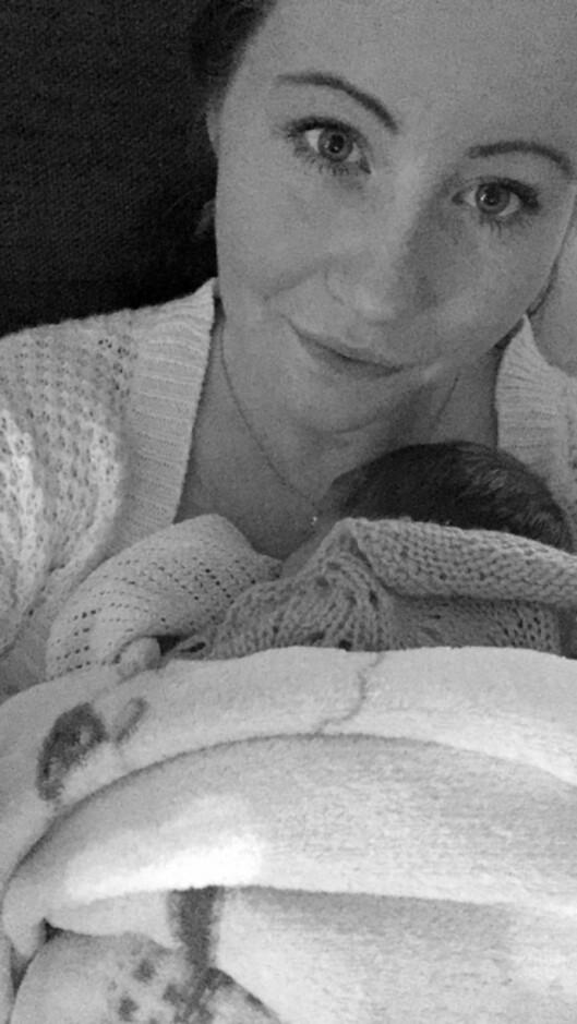 FØDTE PREMATUR BABY: Det ble en rask fødsel for fembarnsmor June-Maria Svendsen. Jenta hennes ble født i uke 34 Foto: Privat