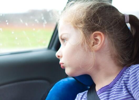 TRIST: - Snakk gjerne med barnet på vei hjem. Si at hun er like bra selv om laget tapte kampen. Foto: NTB/ Scanpix
