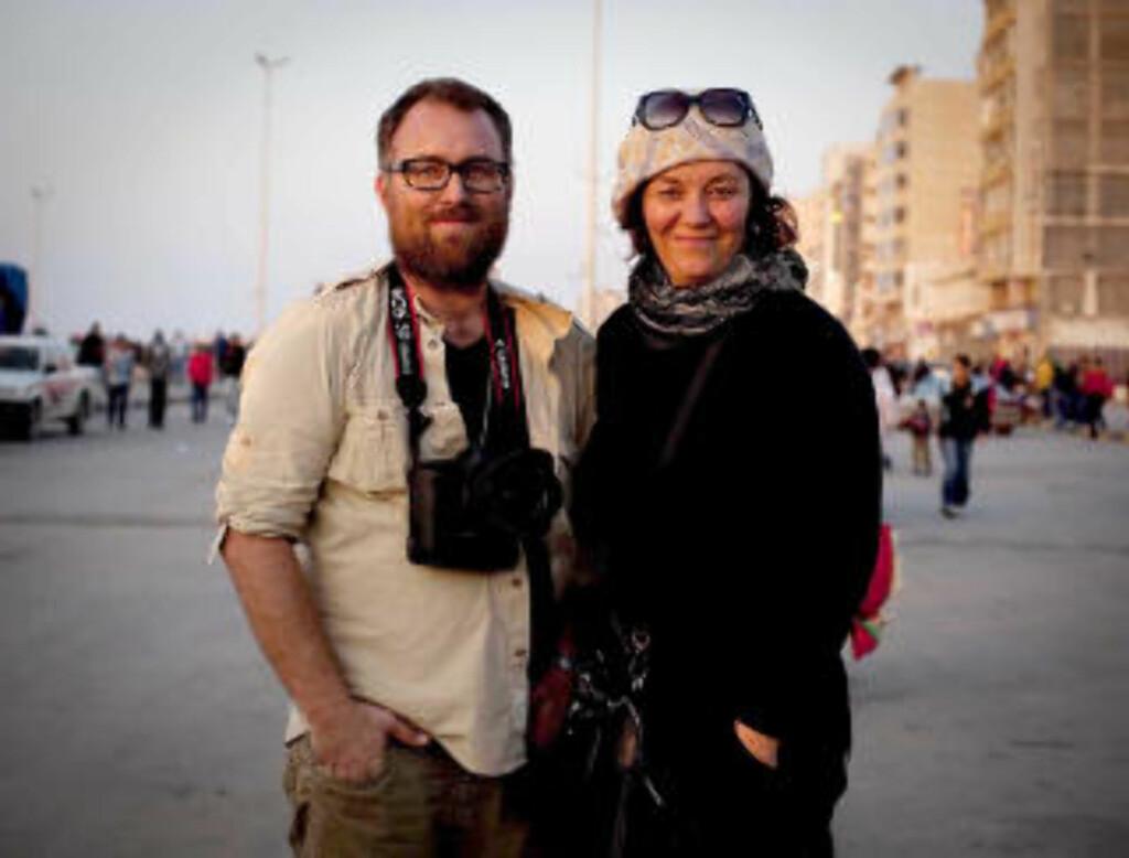 I LIBYA: Fotograf Tomm W. Christiansen og journalist Line Fransson.