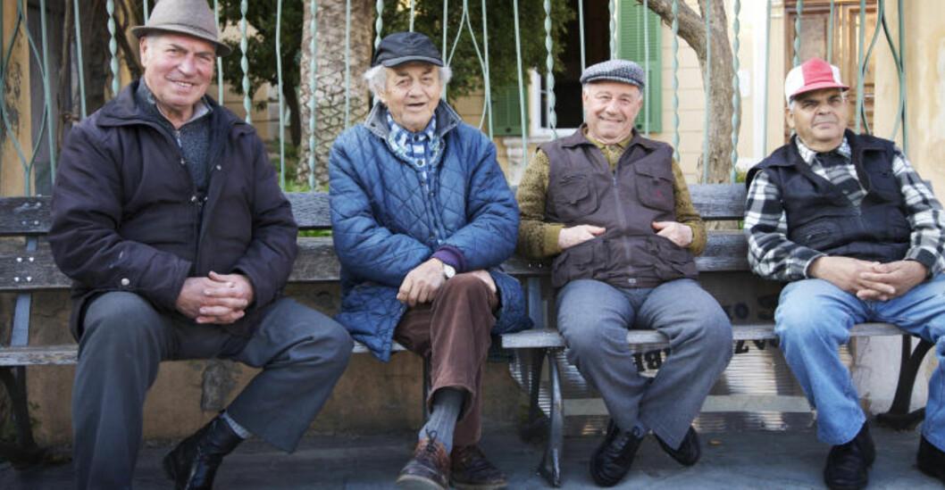 PÅ HILS: Man er alltid velkommen i små byer. Si «buongiorno» til de lokale, og du får et smil og en vennlig hilsen tilbake.