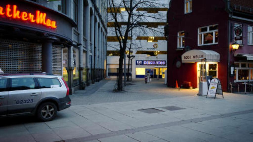 VOLDTEKT: Natt til søndag 3. april ble det begått fire overfallsvoldtekter i Oslo. Det ene bele begått i en sidegate til Brugata i Oslo sentrum. Foto: Øistein Norum Monsen/DAGBLADET.