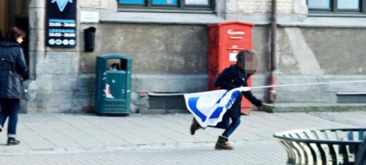 Ungdomspolitiker bøtelagt for flaggtyveri