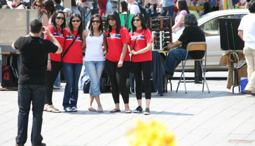 HOCKEYFEBER: Montreal Canadiens-fans er en del av bybildet.