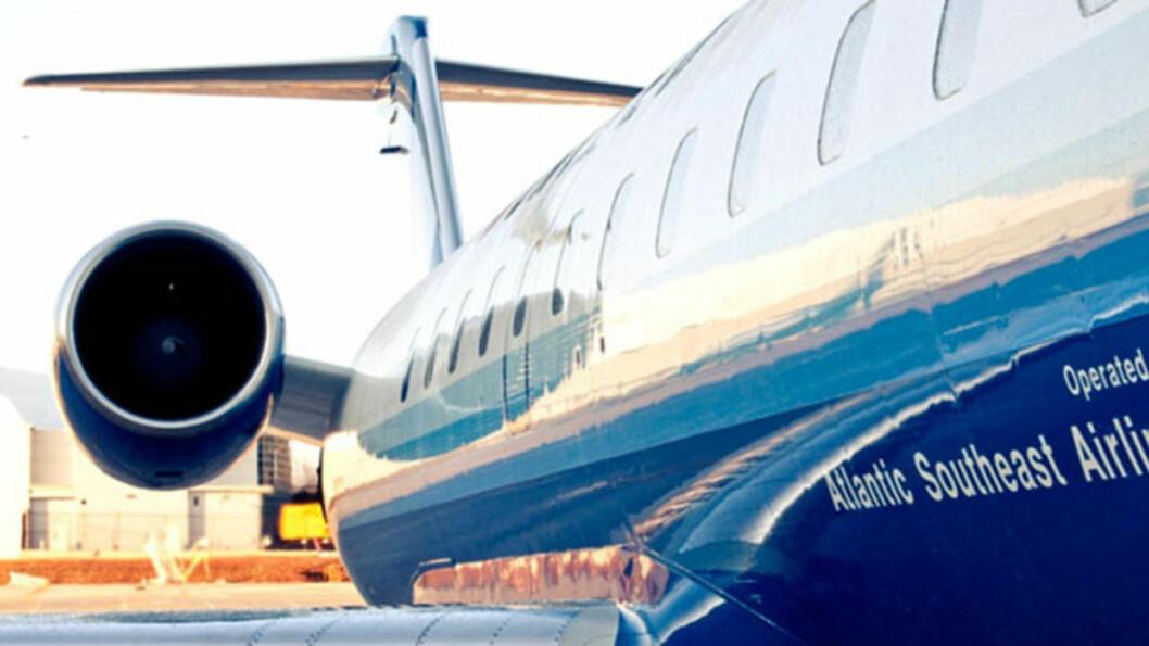 <strong>ESKORTERT UT:</strong>  De to imamene måtte forlate flyet, angivelig fordi piloten nektet å ha dem med seg da passasjerene uttrykte ubehag over at de var til stede. Foto: Atlantic Southeast Airlines.
