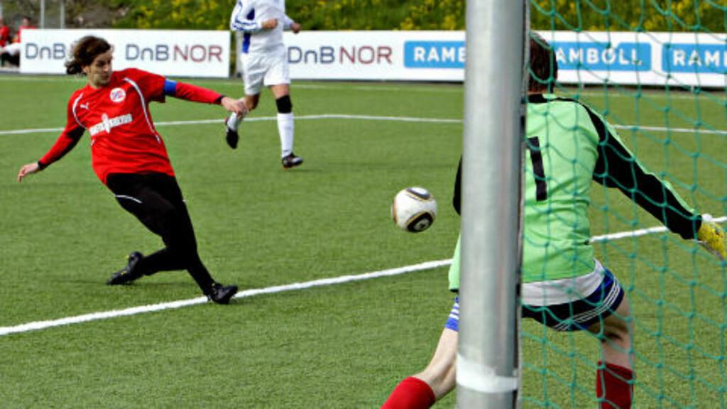 BANENS BESTE:  Kaptein Oddmund Vaagsholm var banens klart beste spiller i dag, og scorte fire mål.  Foto: Lars Eivind Bones/Dagbladet