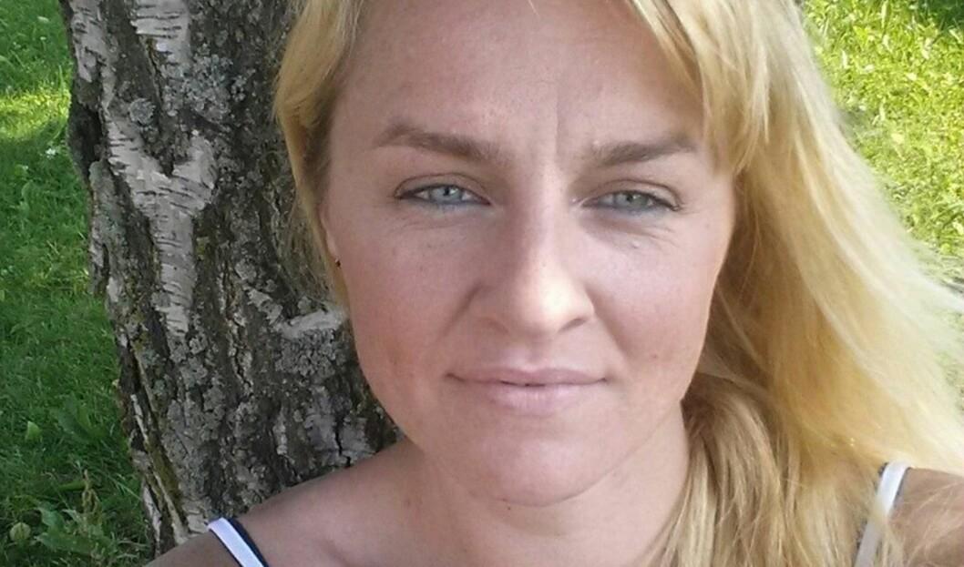 <strong><b>- JEG FORSØKER Å LEVE SOM NORMALT:</strong></b> Men det er ikke lett, når sykdommen slår det fullstendig ut i perioder, forteller Hanne. Foto: privat