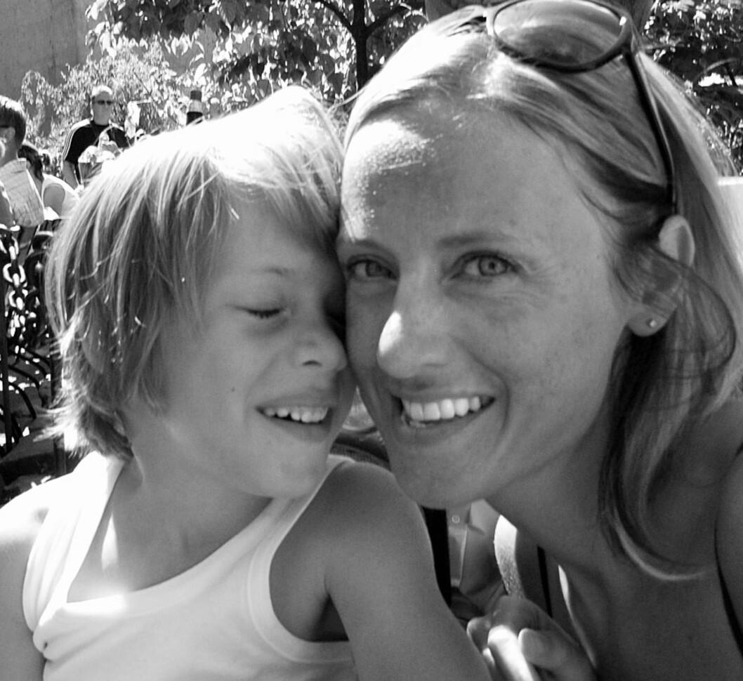STOLT MAMMA: - Det å få et barn med spesielle behov kan også være berikende, sier Kamilla. Foto: Privat