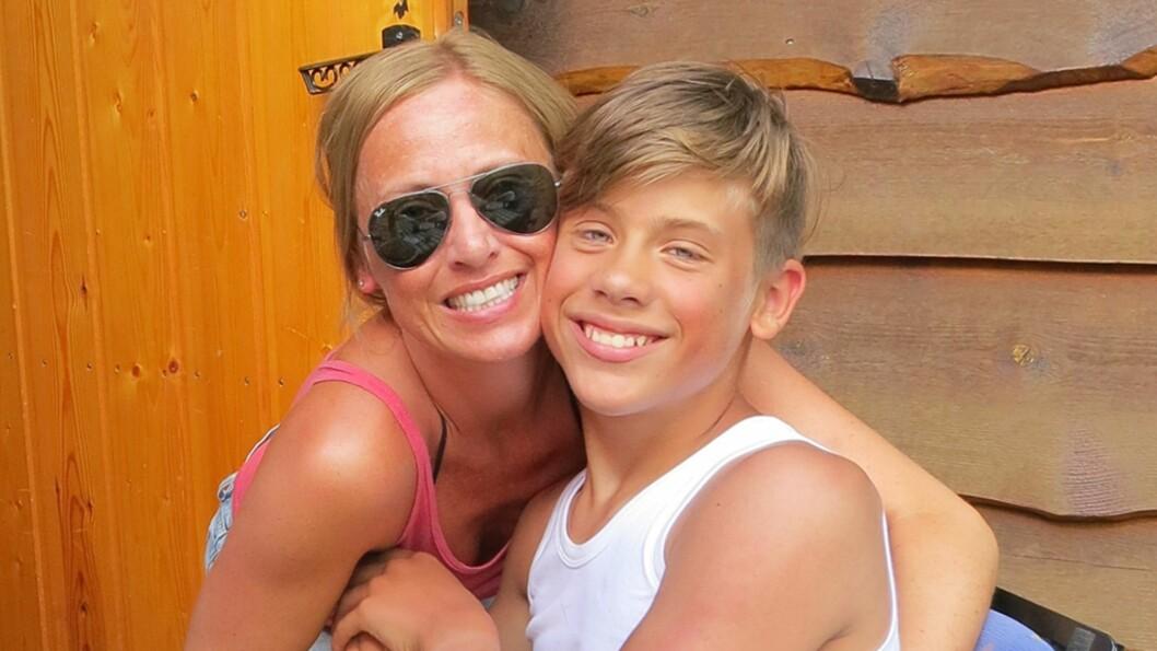 <b>MOT ALLE ODDS:</b> Kamilla er svært stolt av sønnen Henrik (11) som aldri har latt handicapet hindre ham i gjøre det han ønsker. Foto: Privat