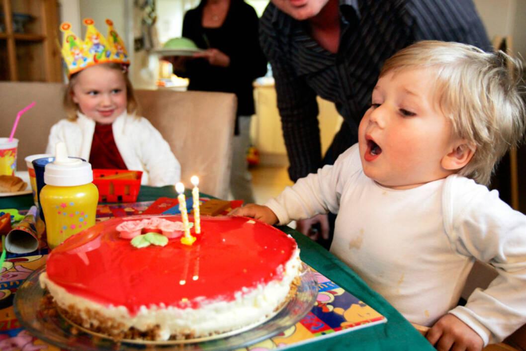 GAVENE IKKE DET VIKTIGSTE: Bursdagen blir like vellykket uten de dyre gavene. Foto: NTB scanpix/Åserud, Lise