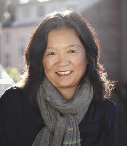<strong>VIKTIG MED GOD TILKNYTNING:</strong> - Det er en prosess som pågår hele tiden, ikke bare de første månedene, sier Anne Kyong-Sook Øfsti. Foto: Gyldendal Norsk Forlag