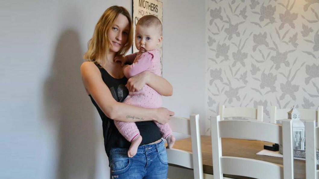 <b>- MØDRE MÅ BLI BEDRE PÅ Å FREMSNAKKE HVERANDRE:</b>Lizbeth Osnes med datteren Sienna. Foto: Lizbeth Osnes