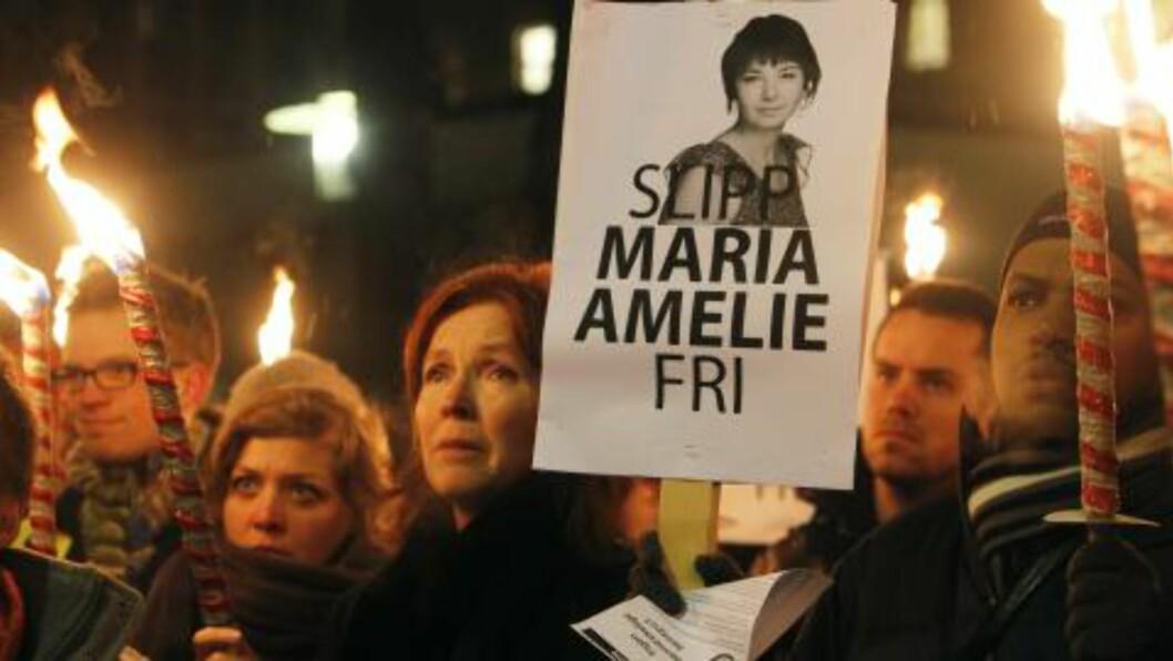 <strong>SLIPP MARIA AMELIE FRI:</strong>  Budskapet var klart i Oslo i kveld. Foto: Scanpix