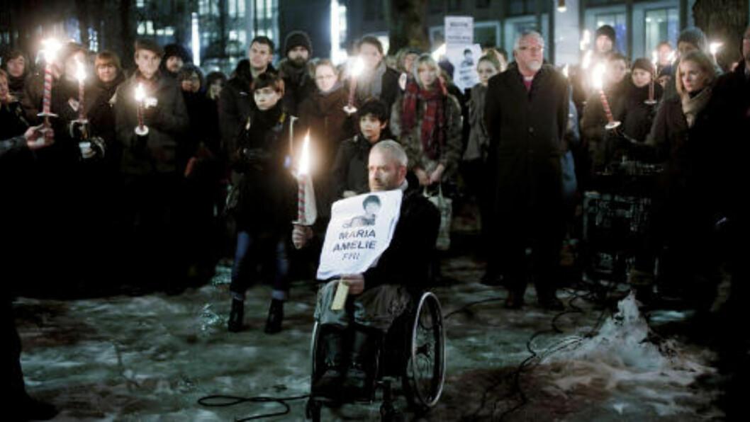 <strong>HOLDT APPELL:</strong> Biskop Ole Chr. Kvarme og KrF-nestleder Inger Lise Hansen holdt appeller under demonstrasjonen til støtte for Maria Amelie foran Regjeringsbygget i ettermiddag. Foto: Sveinung U. Ystad / Dagbladet