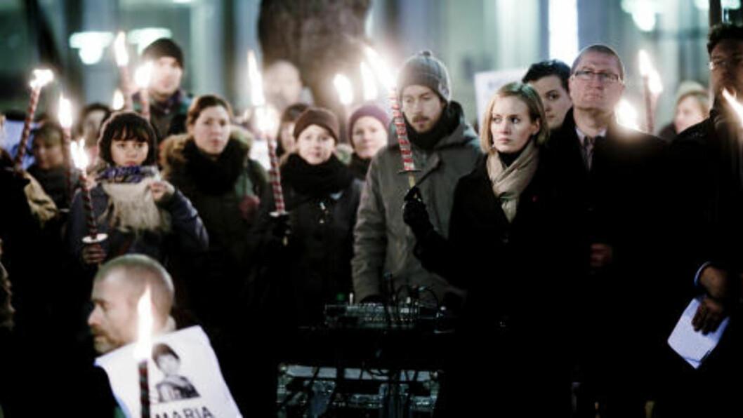<strong>POPULÆR:</strong> Det var stor applaus da KrF-nestleder Inger Lise Hansen kom på scena for å holde appell til støtte for Maria Amelie. Foto: Sveinung U. Ystad / Dagbladet