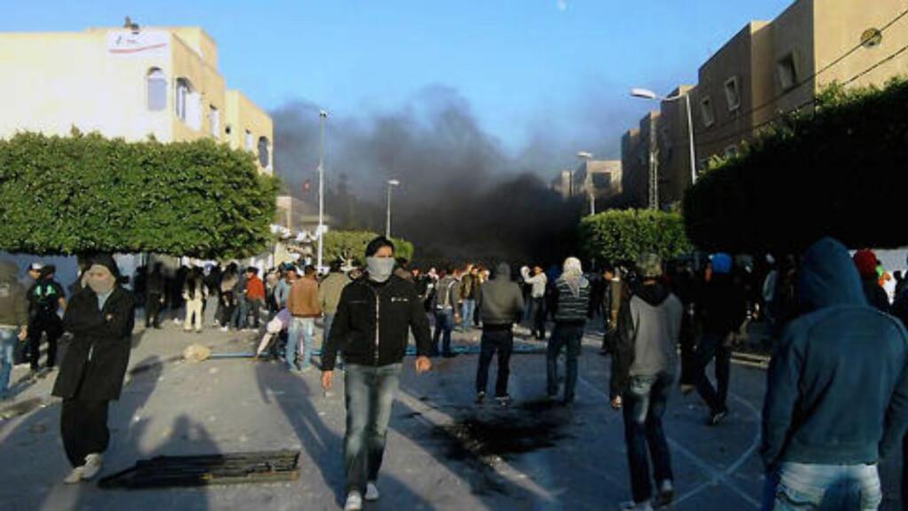 INGEN OVERRASKELSE: «Det tunisiske opprøret som har pågått den siste måneden kom ikke som noen overraskelse for noen - bortsett fra den styrende eliten», skriver  Burhan Ghalyoun. Foto: SCANPIX/AFP