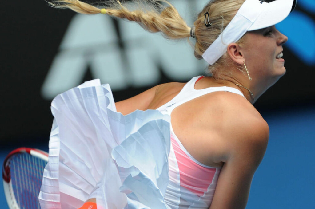 PÅ LETING: Caroline Wozniacki åpnet for alle typer spørsmål under pressekonferansen i Australian Open i dag. Foto: AFP/William WEST