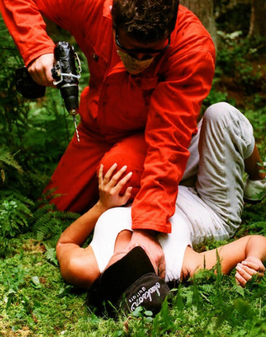 VI VIL HA DRILL: Men verktøyet misbrukes grovt i «Mørke sjeler». Foto: FILMWEB