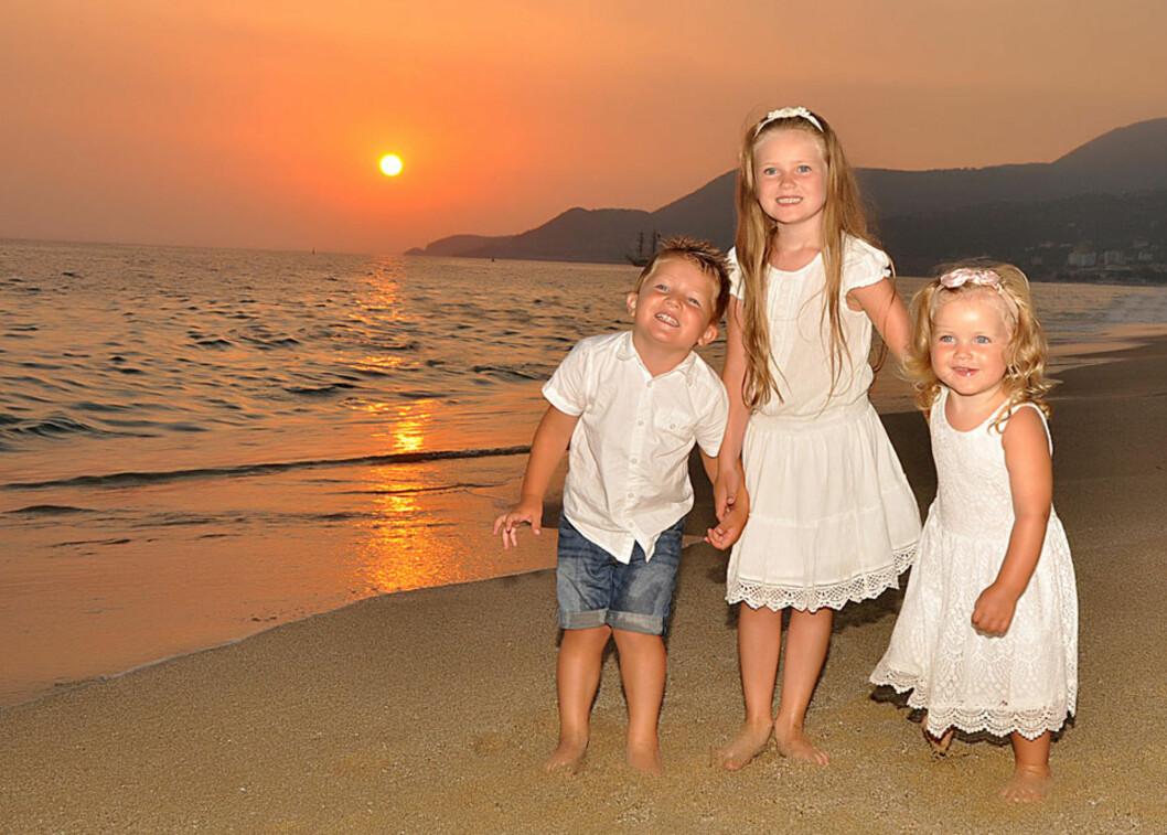 TRIPP TRAPP: De tre søsknene kom på fire år. Foto: privat