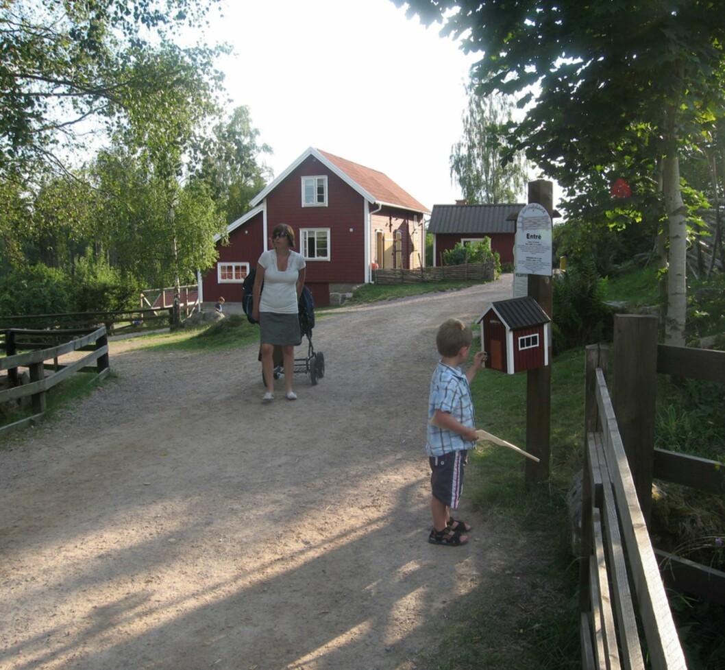 KATTHULT: Både store og små vil sette pris på å besøke gården hvor Emilfilmene ble spilt inn. Foto: Mammanett