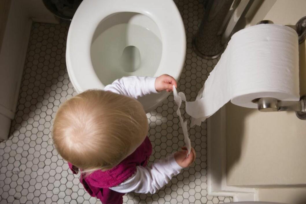 IKKE GREIT: Svært mange barn sliter med treg mage og forstoppelse. Foto: NTB scanpix