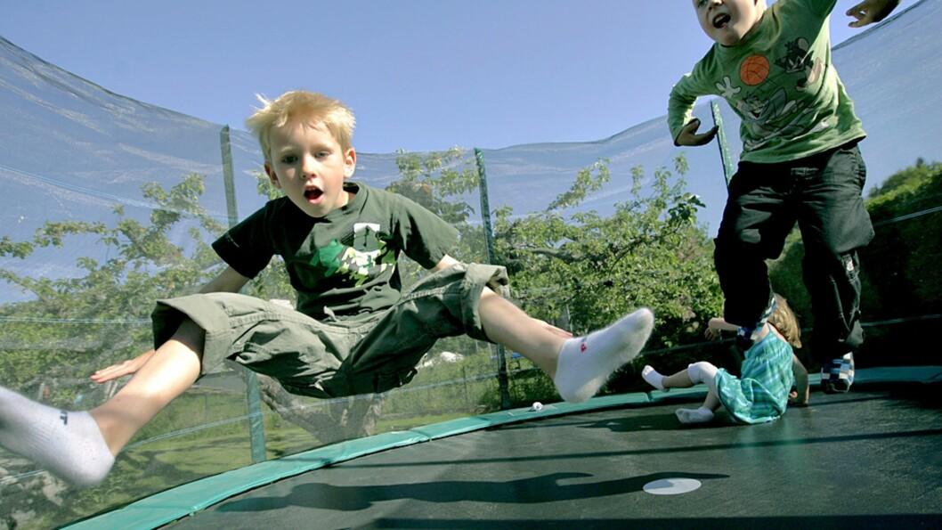 <strong><b>NYE REGLER:</strong></b> Nå kommer det nye sikkerhetskrav til alle som selger trampoliner. Foto: Mats Andersson / NTB Scanpix