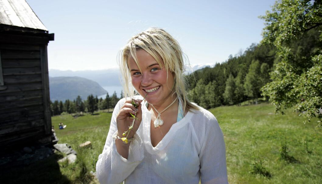 <strong>I 2004:</strong> Det er ikke sikkert at alle husker Live Nelviks deltakelse i «Farmen». De siste årene har hun derimot blitt kjent som en av NRKs fremste radio- og TV-profiler.  Foto: NTB scanpix&nbsp;